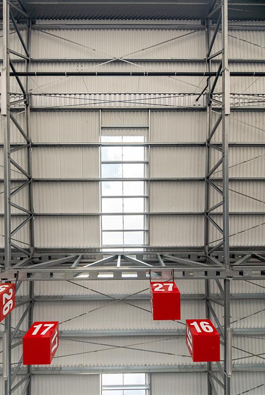 světlík ve střeše terminálu haly