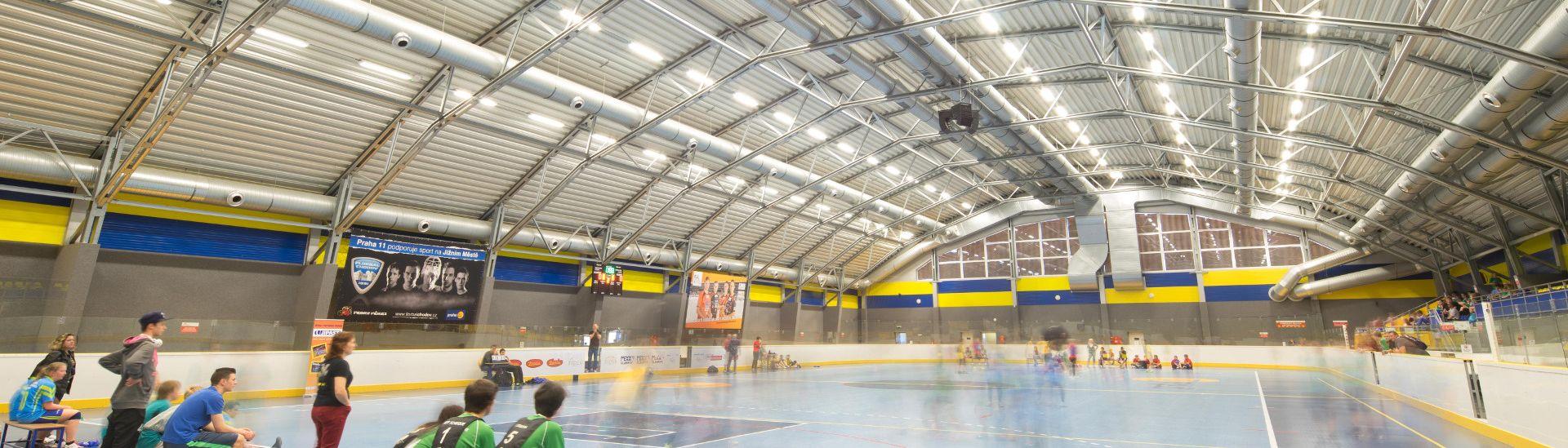 Městská sportovní hala LLENTAB v Praze 11