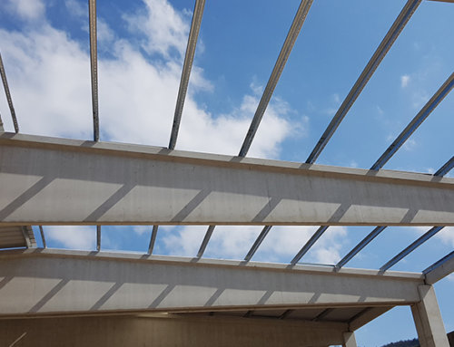 Sekundární profily pro střešní a stěnové opláštění se dají kombinovat se všemi typy opláštění a nosných konstrukcí