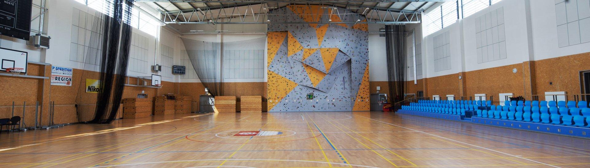 Sportovní hala v Praze Radotíně