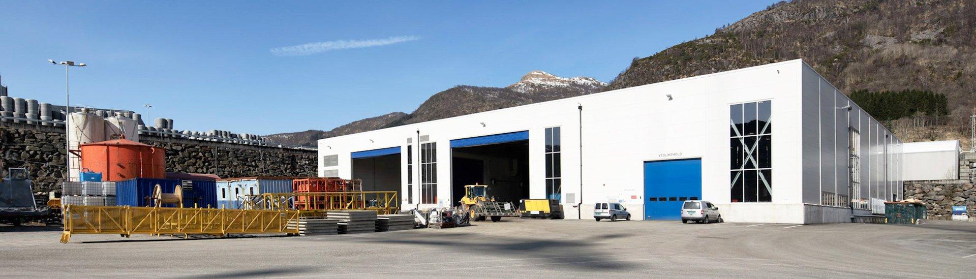 Výrobní a skladovací hala LLENTAB